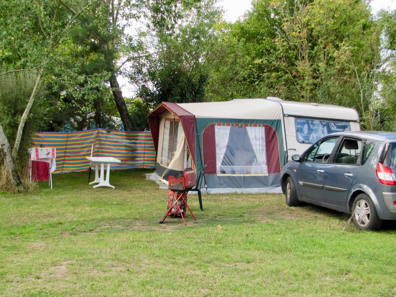 EMPLACEMENT-CAMPING-FAMILLE-ARZAL-3-ETOILES ©