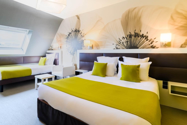 chambre familiale triple hôtel la Marébaudière Vannes centre ©